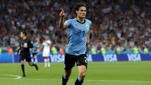 Cavani, Uruguayı Dünya Kupasında çeyrek finale taşıdı