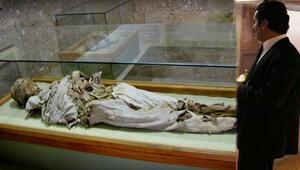 Sarışın Rahibe ve 4 çocuk mumyası 1000 yıldır bozulmuyor... Mecbur kalmadıkça açmıyoruz