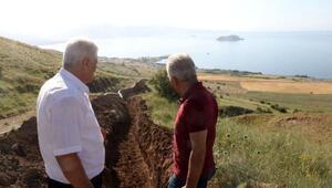 Akdamar Adasına içme suyu götürme çalışmaları devam ediyor