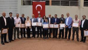 Kılıçdaroğlunun mazbatasını CHP İzmir İl Başkanı Yücel aldı