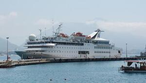 Lüks kruvaziyer, Alanya Limanına demirledi