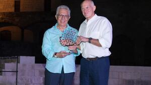 Yunanistan'dan Livaneli'ye 'Barış Ödülü'