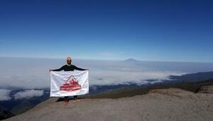 Türk dağcılar, Afrikanın en yüksek zirvesine tırmandı