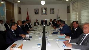 Bitlis'te yatırımlar masaya yatırıldı