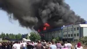 Hadımköyde fabrika yangını (2)