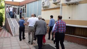 HDPnin Diyarbakır milletvekilleri mazbatalarını aldı