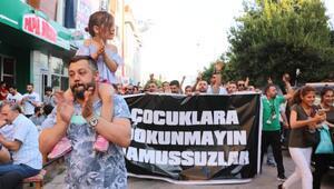 İzmitte çocuk istismarı protesto edildi