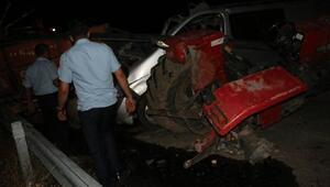 Samsat'ta minibüs ile traktör çarpıştı: 2 ölü, 5 yaralı
