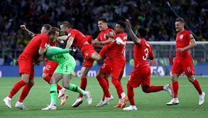 İngilterede Dünya Kupası çılgınlığı Tiyatroda...