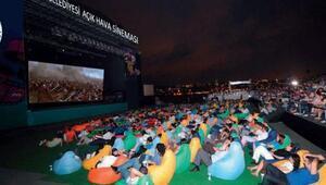 Dokumada açık hava sineması