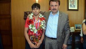 Dünya şampiyonu 40 altınla ödüllendirdi