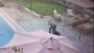 Hülya Avşarın evine giren hırsız güvenlik kamerasında