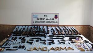 Burdurda yasadışı silah ticareti operasyonu: 20 gözaltı