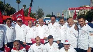 Adanalı aşçılar, 15 Temmuz'da 15 bin kişilik helva ikram edecek
