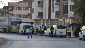 Polisler giriş çıkışı kapattı: Silahlı çatışma