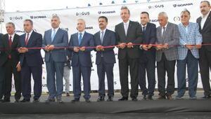 Scanianın showrumuna 2 valili açılış