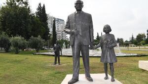 Adanada Atatürk büstüne çirkin saldırı