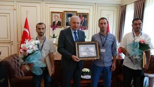 İBB Başkanı Uysal, 10 çocuğu yangından kurtaran 3 İSKİ çalışanını ödüllendirdi