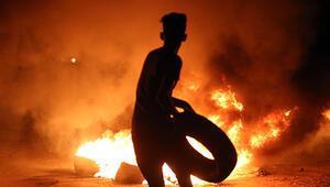 Kaos büyüyor: Parti binası basıldı, sınır kapısı kapatıldı