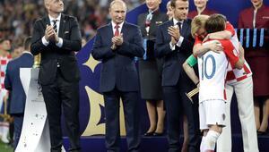Kupayı Fransa aldı, dünya onları konuştu