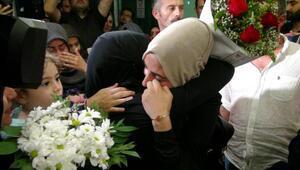 İsrailde tutuklanan Ebru Özkan yurda döndü