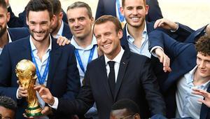 Fransada kahraman gibi karşılandılar