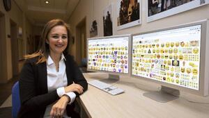 En çok gülmekten gözleri yaşaran emoji kullanılıyor
