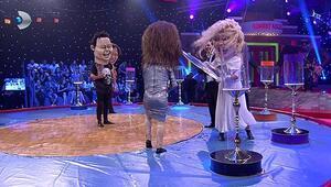 Hülya Avşardan göbek dansı şovu