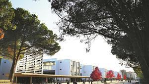83 ülkeden 1000'e yakın uluslararası öğrenciyle uluslararası kampüs ortamı