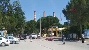 Termik santraldeki kömür sevk kanalı çökünce işçiler yaralandı