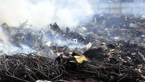 Geri dönüşüm fabrikasındaki yangın, 20 saat sonra kontrol altında (2)- Yeniden