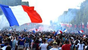 2018 Dünya Kupasını 7,7 milyon futbolseverin taraftar alanlarından takip ettiği açıklandı