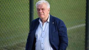 Bursaspor Başkanı Ali Ay: Bursasporun kulübesinde servet yatıyor