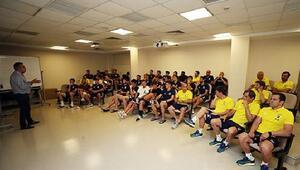 Fenerbahçeye VAR eğitimi verildi