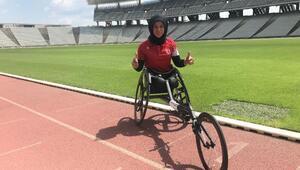 16 yıl evden çıkmayan bedensel engelli sporcu, şimdi şampiyonluklara doymuyor