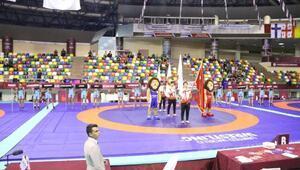 Türk güreşçilerden 4 final