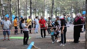 Başkan Çelik, Sarımsaklı'da kamp yapan aileleri ziyaret etti