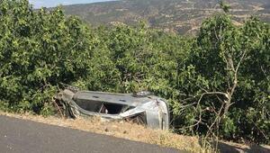 Motosiklet otomobile arkadan çarptı: 3 ölü