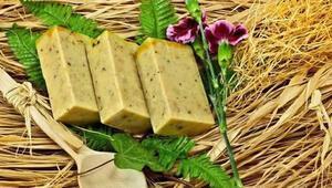 Evinde 80 çeşit sabun üretip dünyaya pazarlıyor