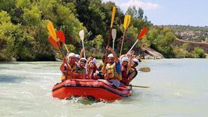 Göksu Irmağında rafting keyfi