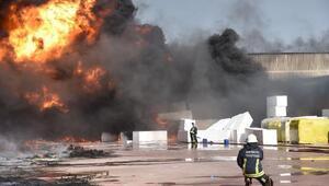 Antalya OSBde izolasyon malzemesi fabrikasında yangın (2) - Yeniden