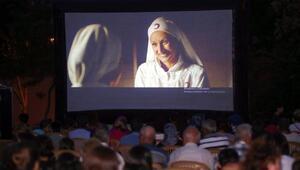 Yenimahalle'de açık hava sinema günleri 'Son Mektup' filmiyle başladı