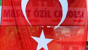 Zonguldaktaki Mesut Özil tabelasının açılış töreni yapıldı