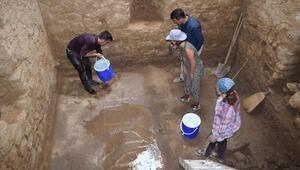 Gazipaşadaki antik kentte mozaik zemin bulundu