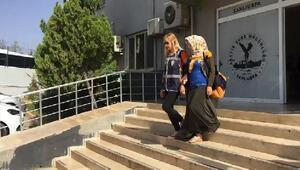 Dilenci gibi davranıp, hırsızlık yapan 2 kadın tutuklandı