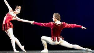 Bodrum gecelerinde bale sanatının büyüsü