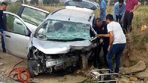 Ankarada iki otomobil çarpıştı: 3 ölü, 3 yaralı