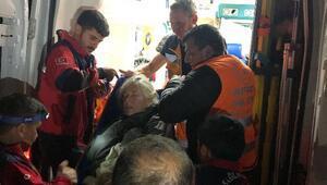 Demirkazıkta rahatsızlanan İspanyol dağcı helikopterle alındı