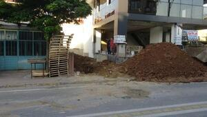 Toprak altında kalan 2 işçi yaralandı