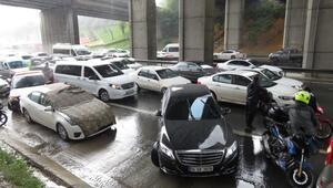 Son dakika: İstanbulda şiddetli yağmur ve dolu etkili oldu
